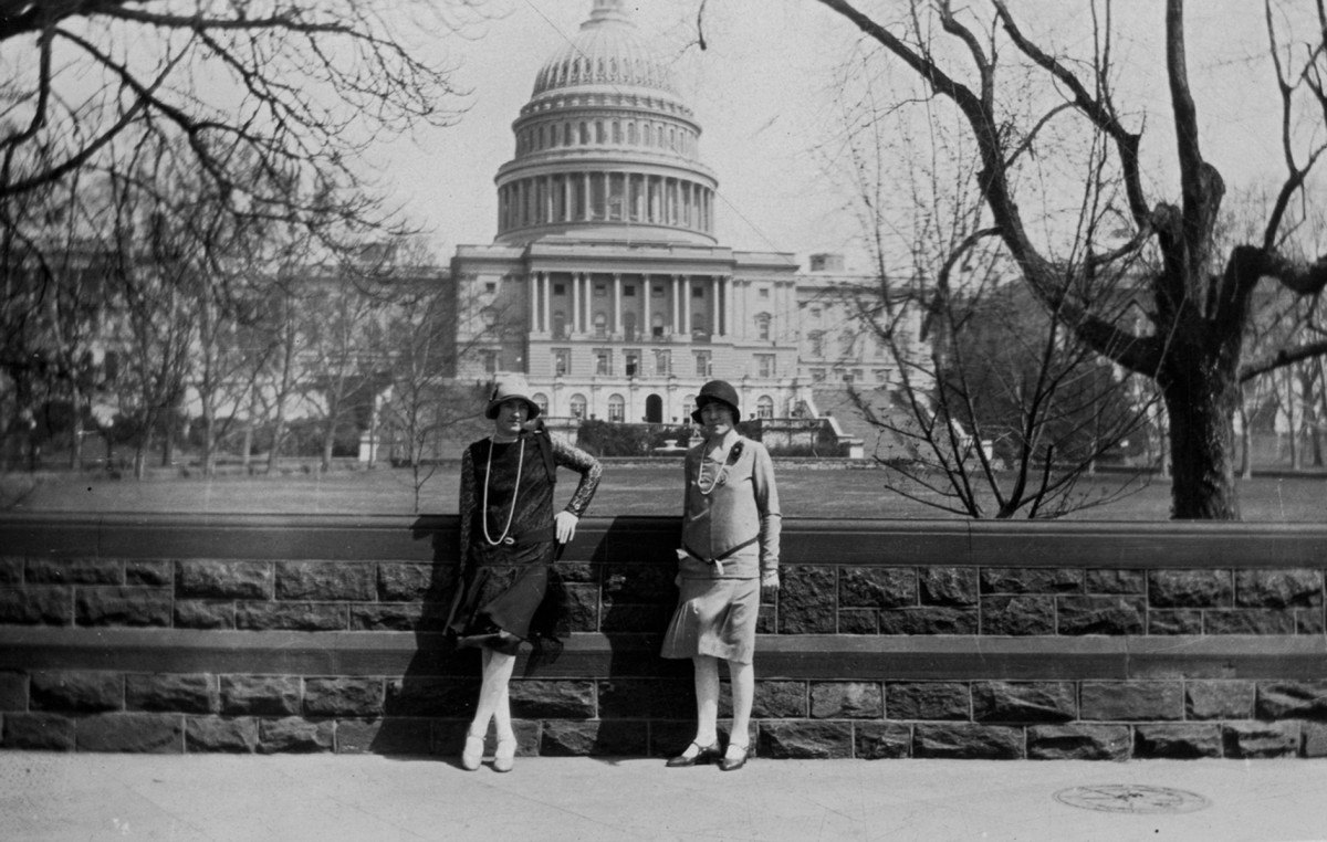 O'Connor // County Limerick :: Henrietta and Janie Higgins in front of Capitol Hill, Washington, U.S.