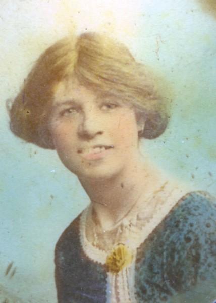 Engagement photograph/portrait of Frances Mc Crosson. Bookbinder. Age 18/19.
