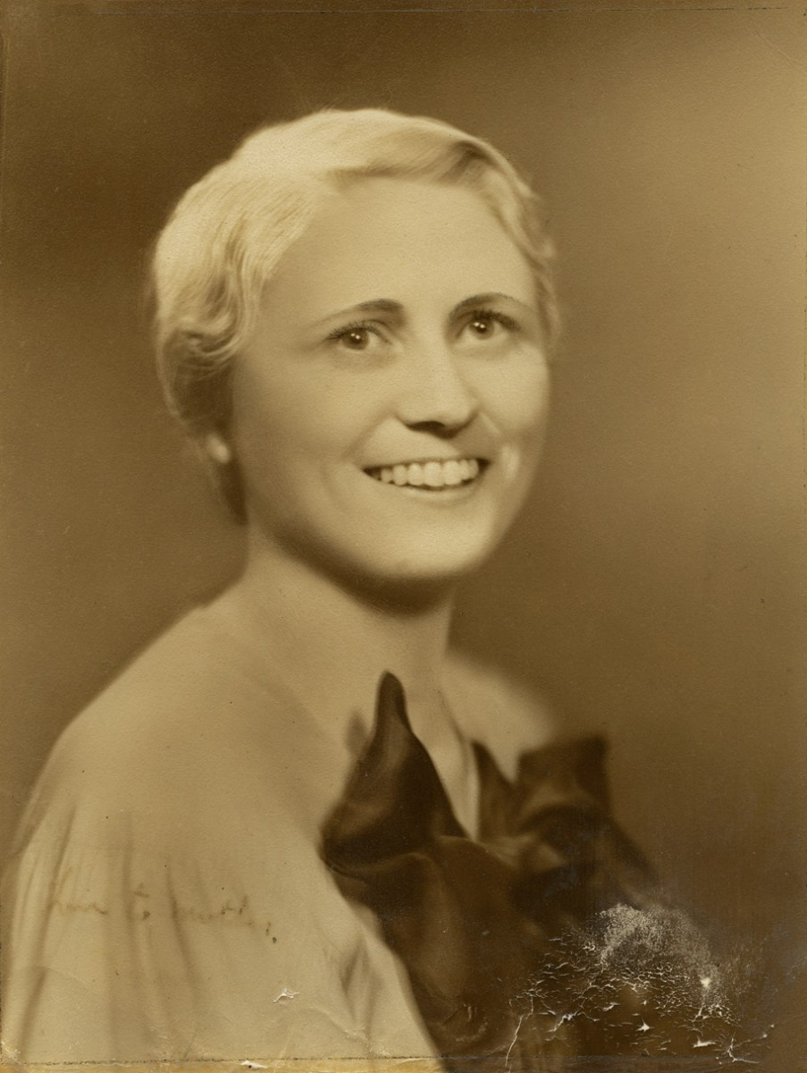 McGing // County Meath :: Studio portrait of Mary Lydon née McGing