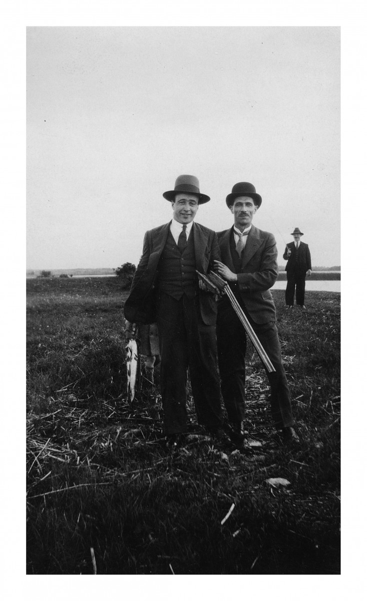 O'Connor // County Limerick :: Richard B. (Dick) Higgins with hunting group photographed beside the River Shannon