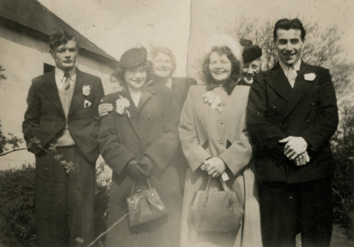 Clerkin // County Monaghan :: Group portrait of the Fields family