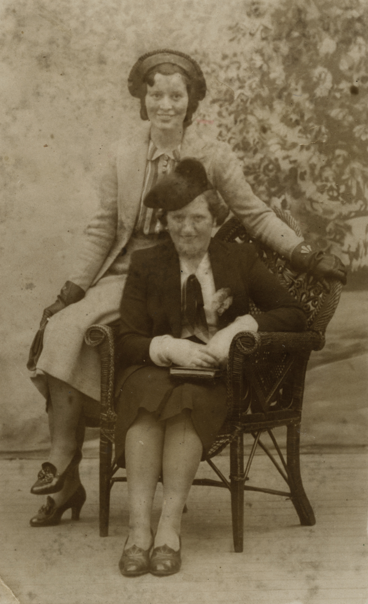 Clerkin // County Monaghan :: Eva Clerkin and a friend