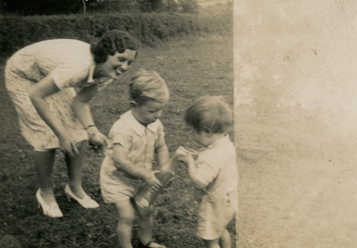 Clerkin // County Monaghan :: A woman playing with children