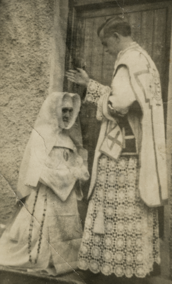 Clerkin // County Monaghan :: Nun being blessed