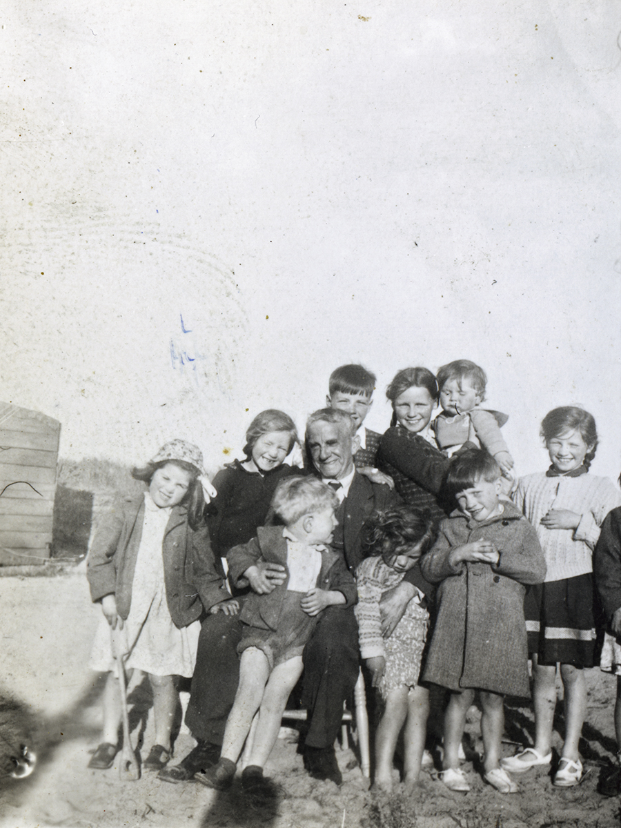 Mansfield // County Dublin :: Group Portrait