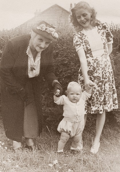 Shae Clancy with his mother and grandmother