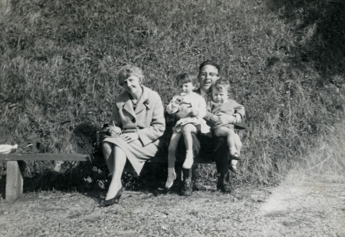 Dillon // County Wexford :: Elizabeth Lawlor with her brother-in-law and grandchildren