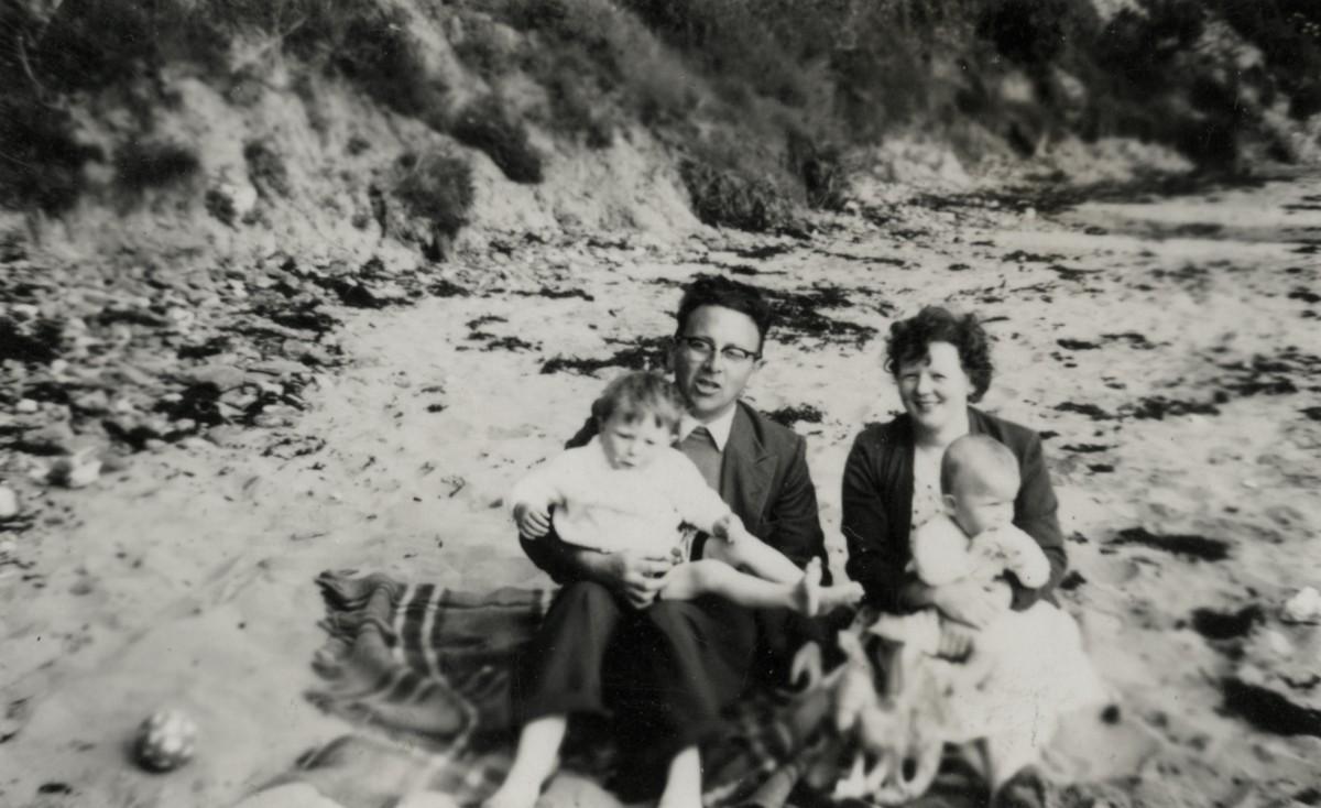 Dillon // County Wexford :: Dillon family at the beach