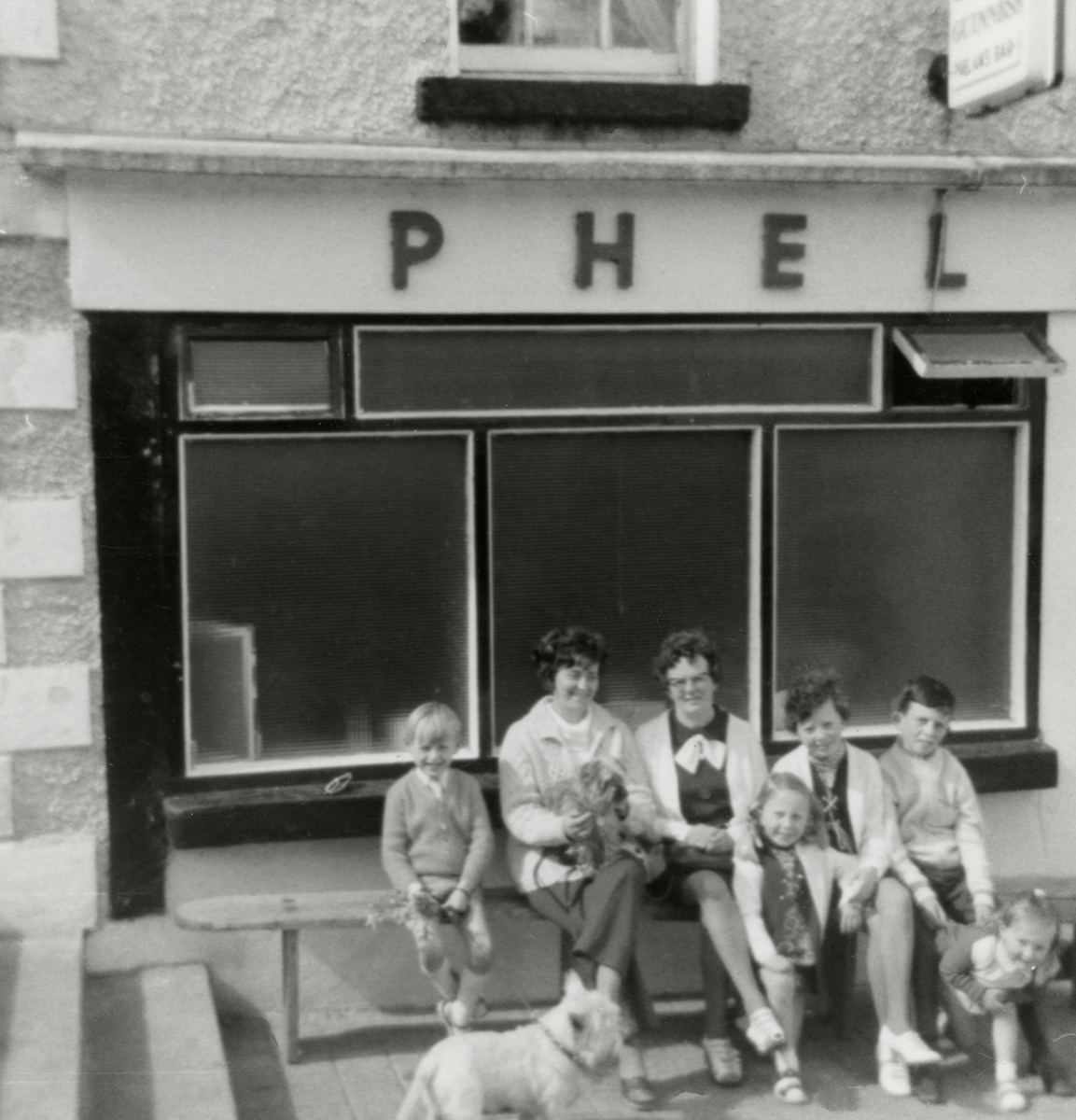 Dillon // County Wexford :: Outside Phelan's pub, Inistioge