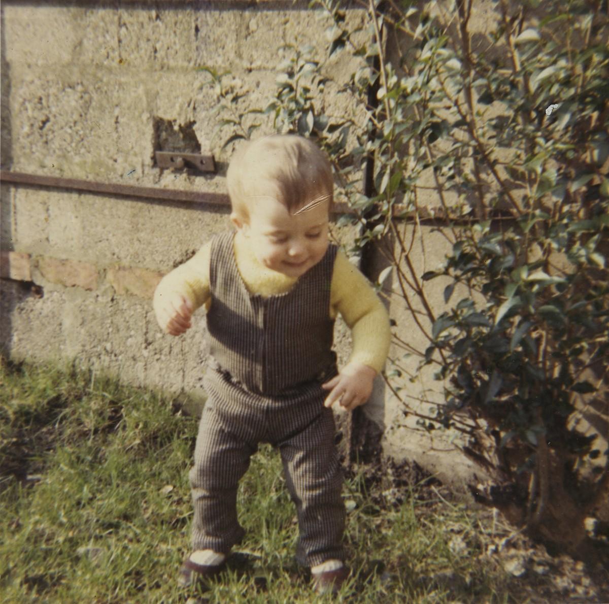 Shanahan // County Dublin :: Baby in Garden