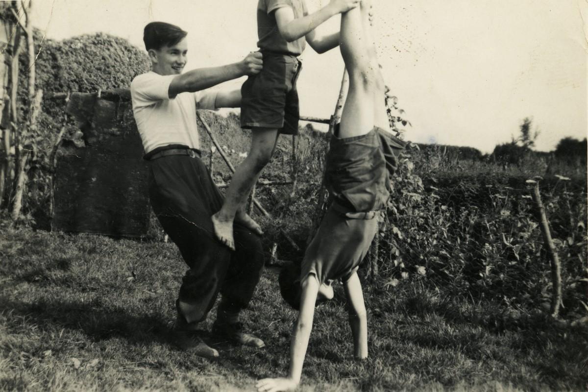 Shanahan // County Dublin :: Brothers playing