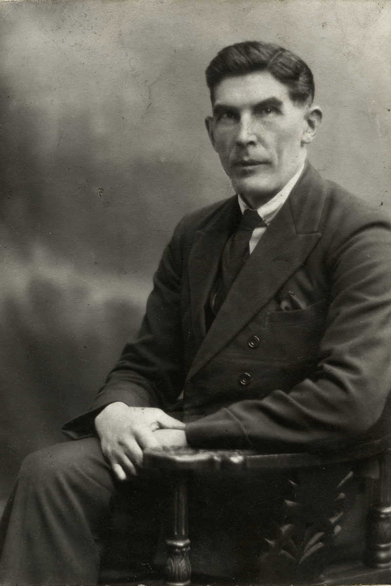 McCoy // County Wicklow  :: Formal Studio Portrait of John McCoy