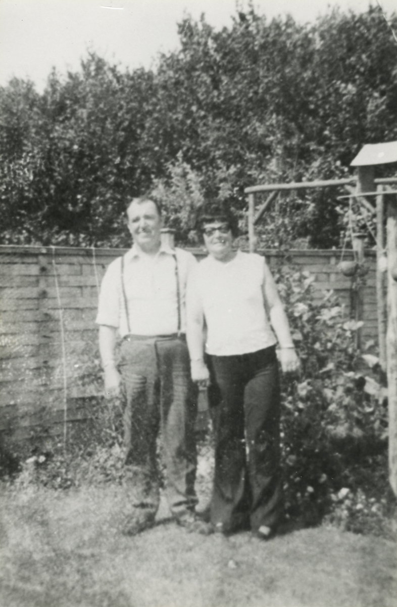 Campbell  //  County Dublin :: Couple at Home in Garden