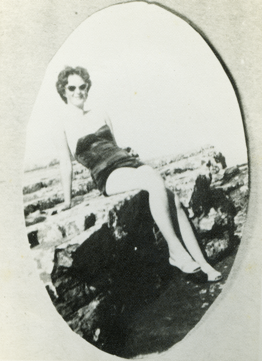 Gilroy  //  County Louth  :: Young woman in bathing suit, 1958