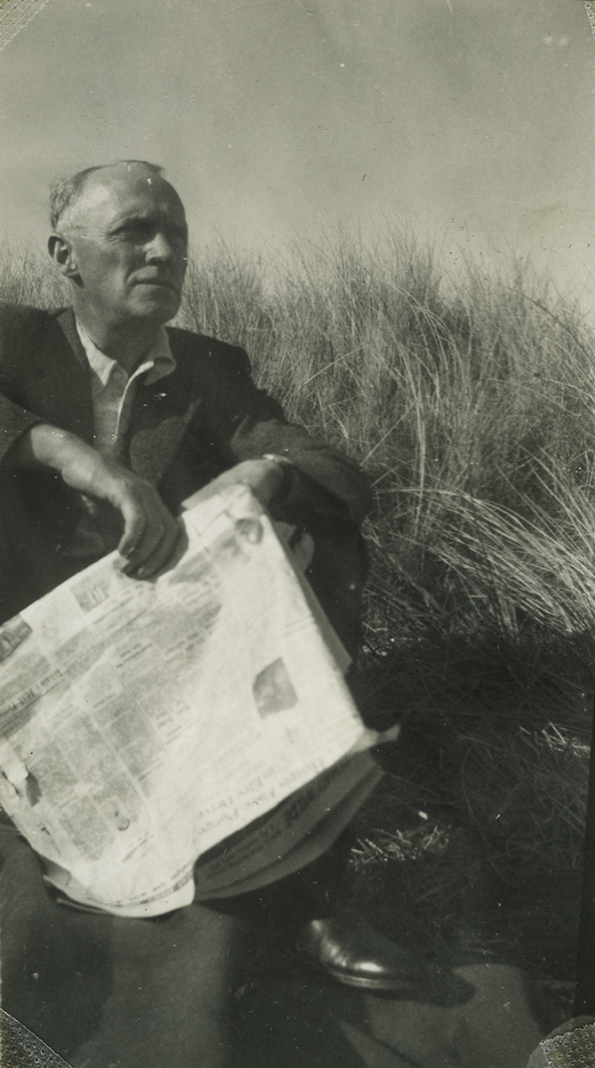 Gilroy  //  County Louth  :: Man with the paper