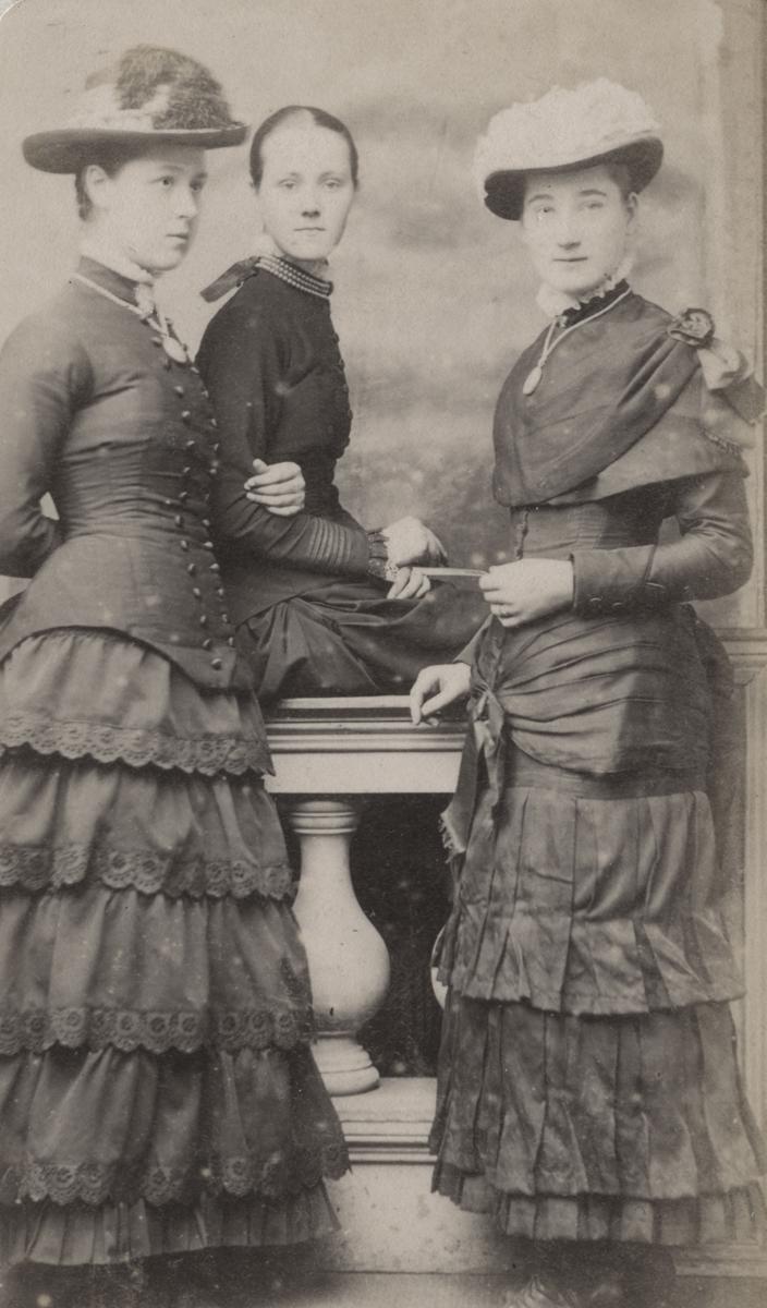 McKay  //  County Antrim :: The Megaw Sisters & Agnes Pinkerton