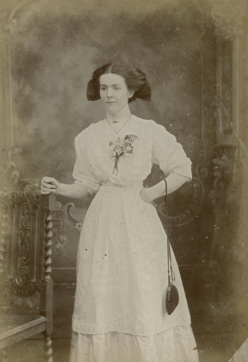 Masterson  //  County Dublin :: Studio portrait of Margaret Redmond