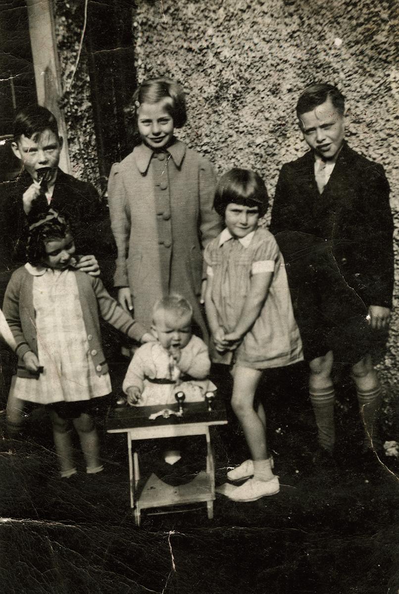 Masterson  //  County Dublin :: Masterson children, c. 1930s