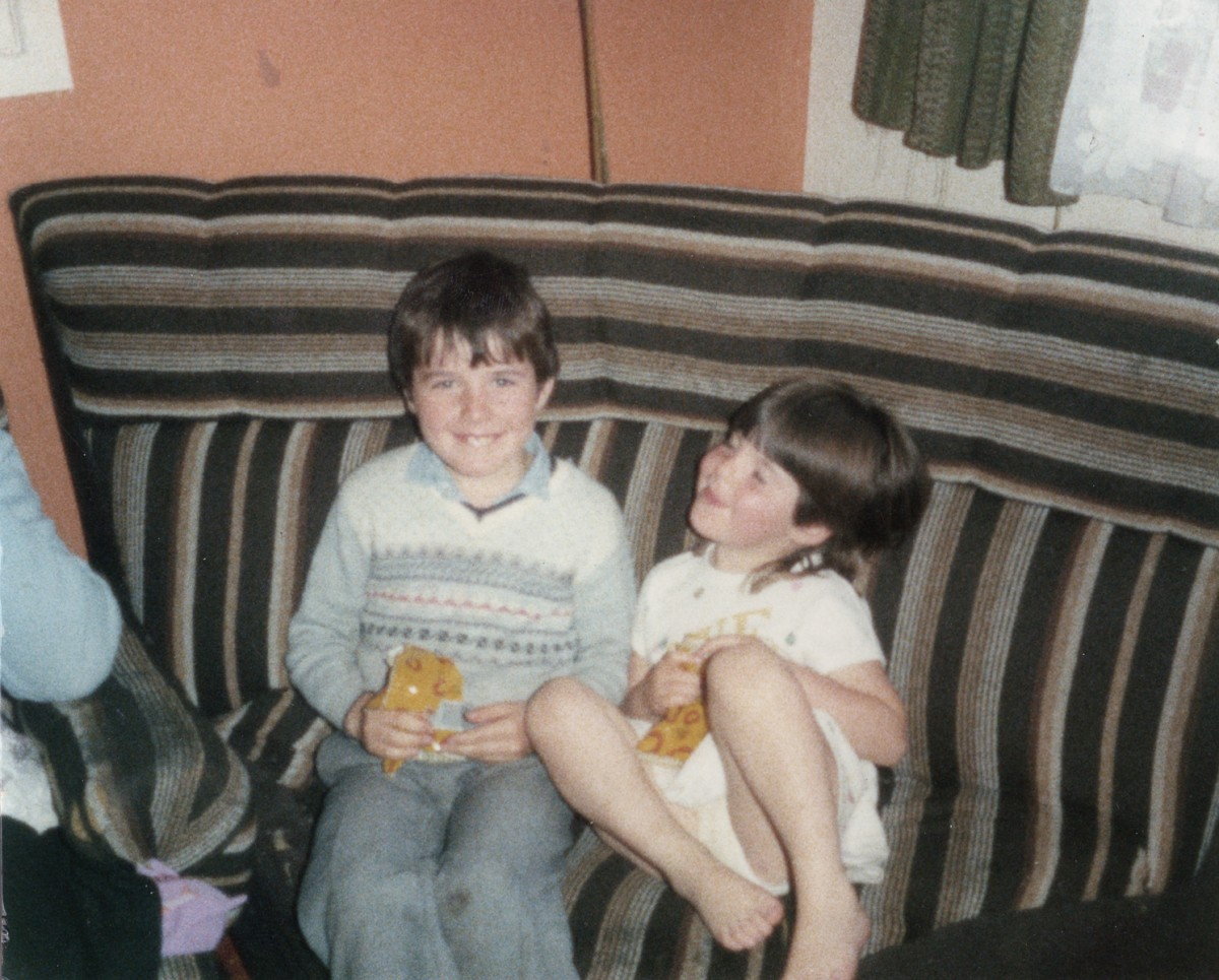 Crowne // County Tyrone :: Siblings at home, 1986