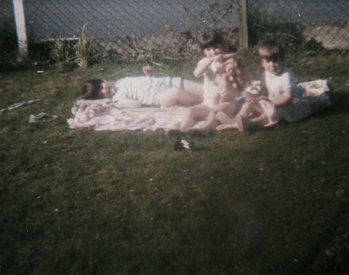 Crowne // County Tyrone :: Children in the front garden, 1987