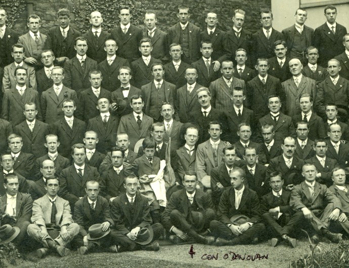 O'Donovan // County Cork :: 1916 prisoners outside the Mansion House in 1917 (detail)