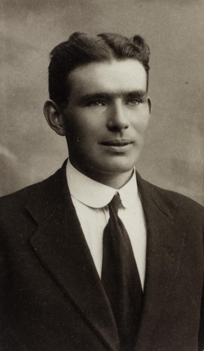 O'Donovan // County Cork :: Con O'Donovan as a young man