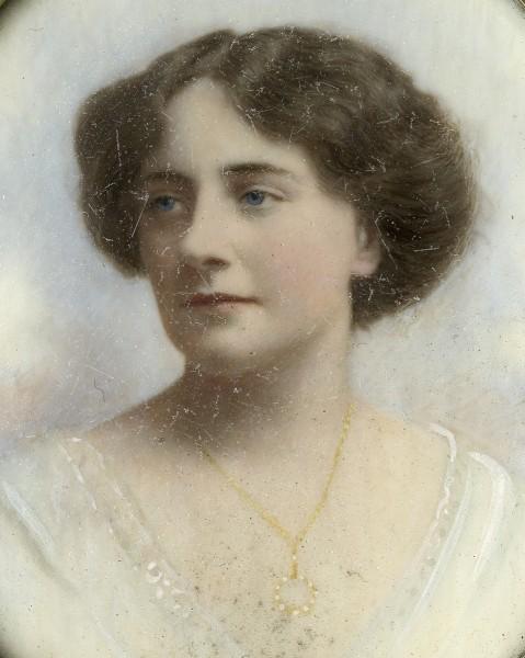 Elaine McConell, c. 1906