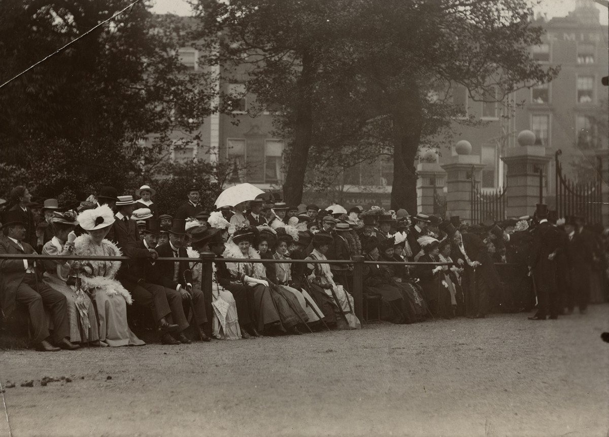 Baker Deely // Dublin :: Opening of the Royal Fusiliers Memorial Arch at Stephen's Green, Dublin, 1907