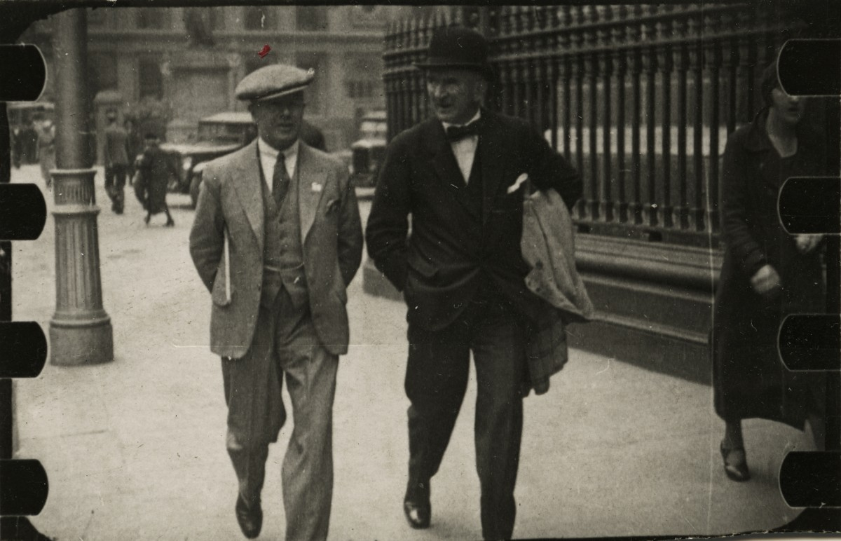 Baker Deely // Dublin :: An example of early street photography in Dublin
