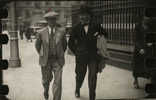 An example of early street photography in Dublin