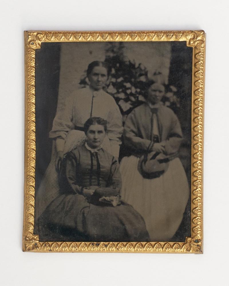 Shackleton // County Kildare :: Rebecca, Sarah and Mary Shackleton