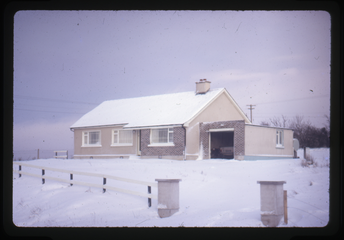 Eugene Clerkin Archive :: Clerkin family home outside Monaghan town covered in snow