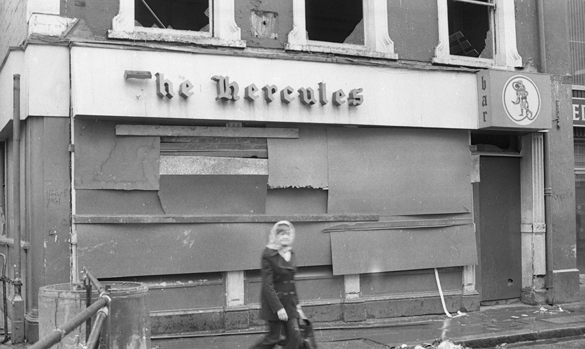 Peter McKee Archive // County Down, Antrim, Tyrone & L/Derry :: Hercules Pub bombed. July 12th, 1972