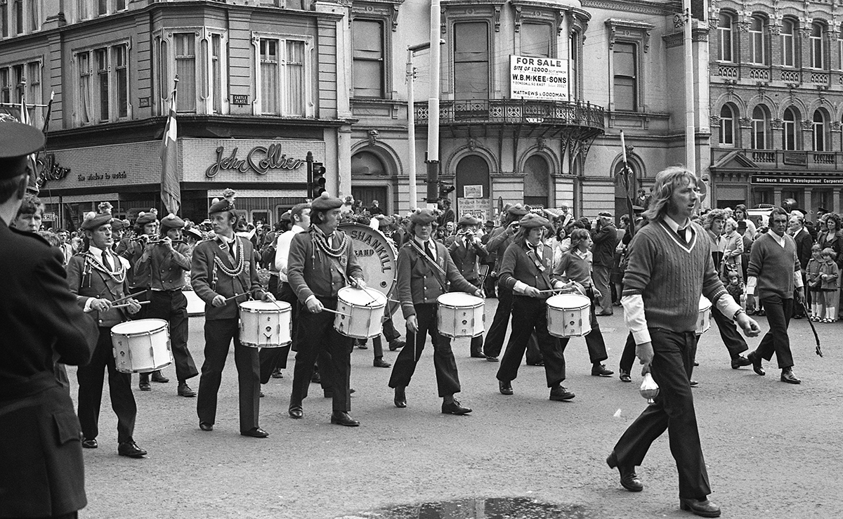 Peter McKee Archive // County Down, Antrim, Tyrone & L/Derry :: Loyalist March, 1970s