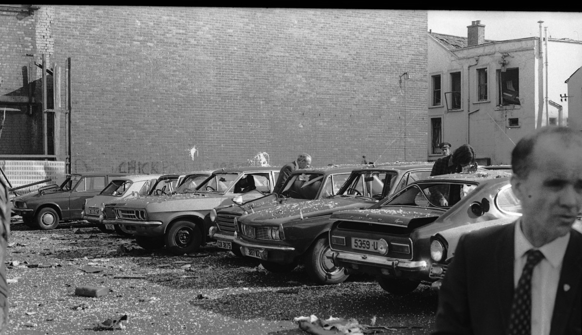 Peter McKee Archive // County Down, Antrim, Tyrone & L/Derry :: Car bomb, Castle Street, Belfast 1974