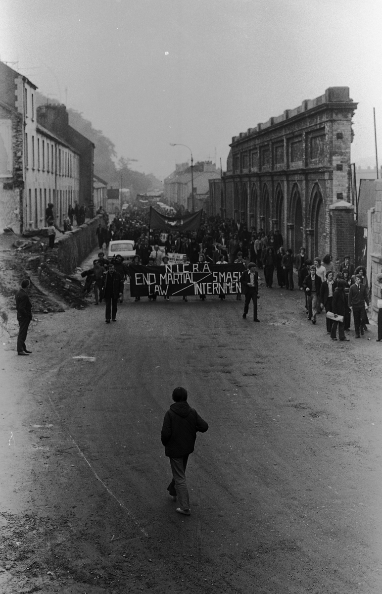 Peter McKee Archive // County Down, Antrim, Tyrone & L/Derry :: Anti-internment march Derry