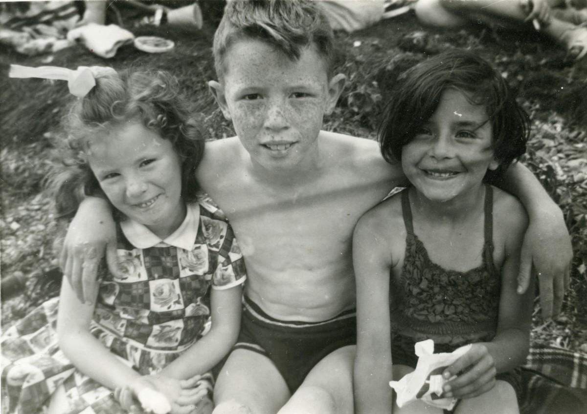Smith // County Cork :: Three children at White Bay in Cobh, County Cork
