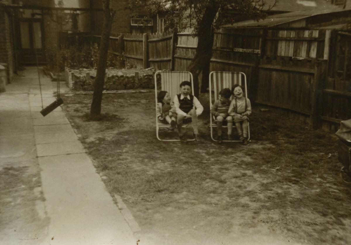 Smith // County Cork :: The Smith children in Birmingham