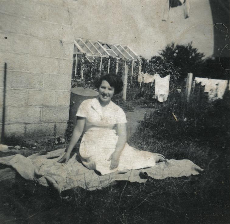 Ashbridge // County Antrim :: Dolores in the back garden