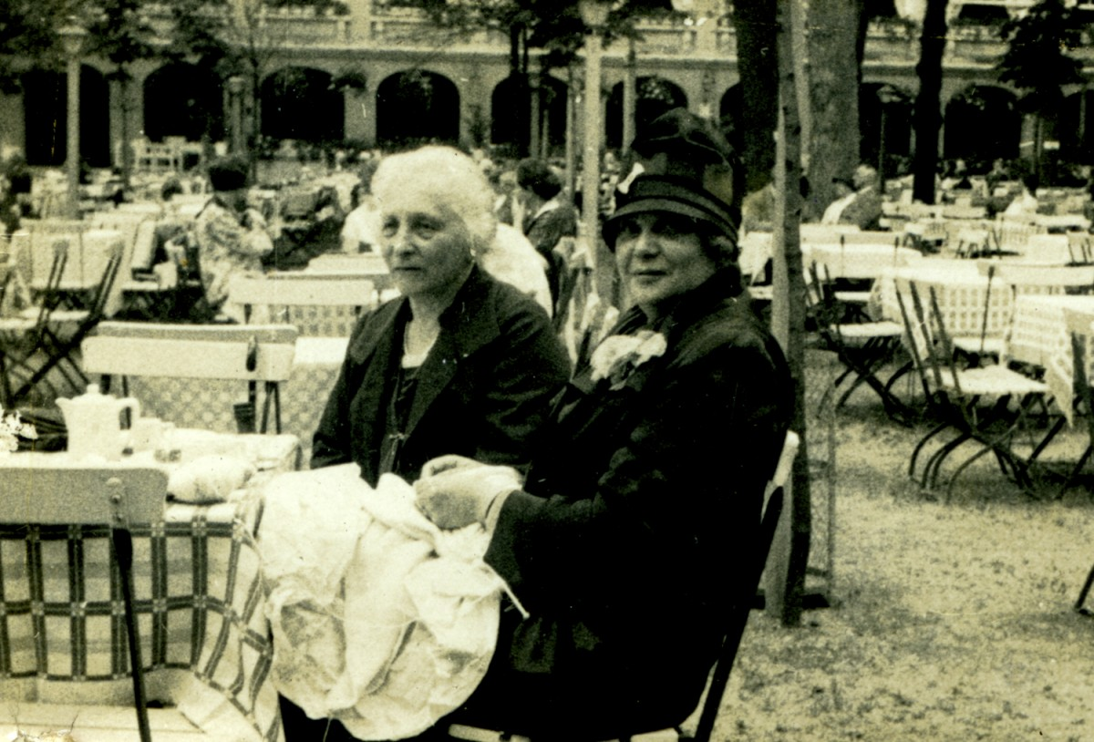 Knight // County Monaghan :: Bertha Goldstein lunching with friend on the continent.
