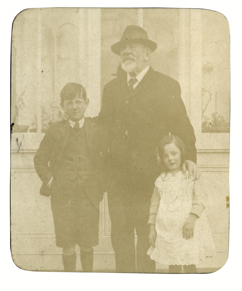 Knight // County Monaghan :: George Alexander Knight and his grand children