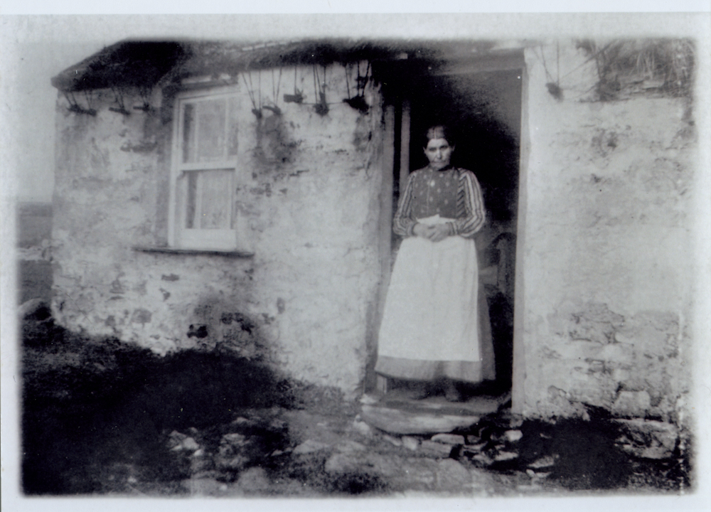 Law // County Donegal :: 'Wee Hannah' at her cottage door