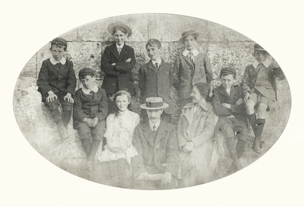 Carney // County Down :: Carney children and friends (possible location Bangor, County Down)