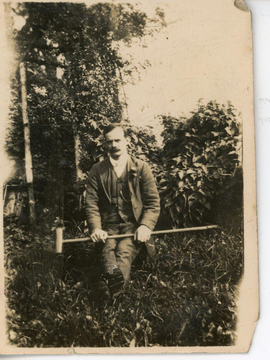 Stewart // County Monaghan :: Stewart man in garden