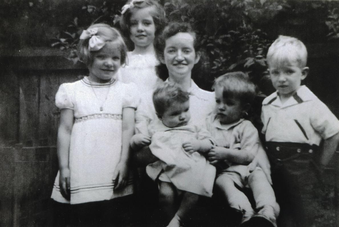 Parker and Duffy families // Washington DC :: Cecilia, Regina, Loretta (mother), baby Mary, Thomas and Daniel