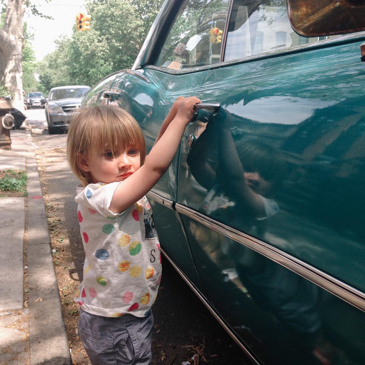 Gilligan // New York & Dublin :: Robyn in Clinton Hill, Brooklyn